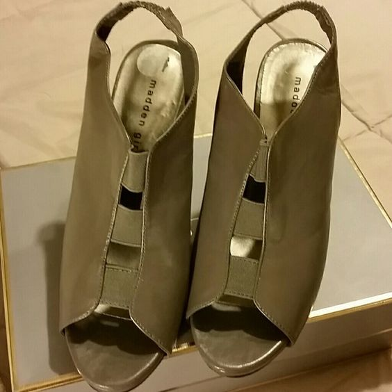 """Madden Girl Platform Shoes Gray synthetic sling with open toe and open vamp joined with elastic. 4.25"""" covered heels and 1"""" covered platform Shoes Heels"""