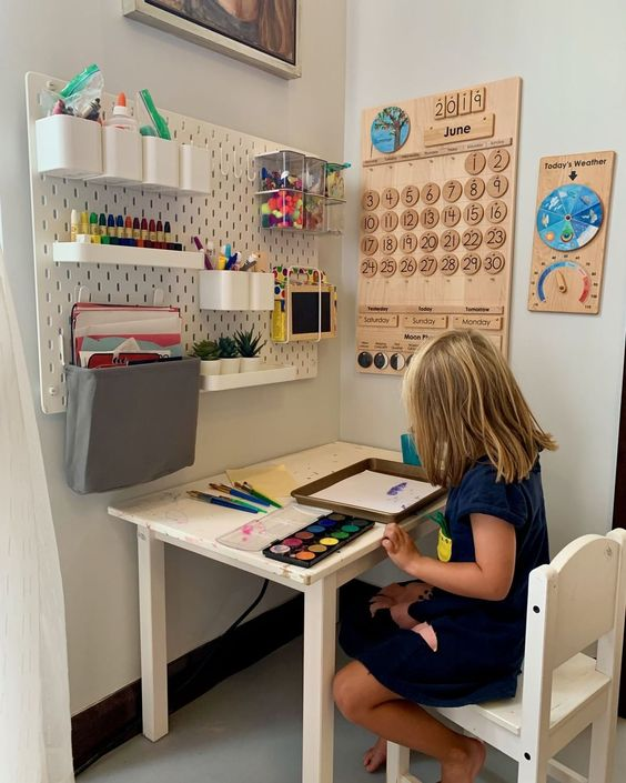 Are you wondering how to homeschool in a small space? See how we turned our dining room into a homeschool room with space for art, music, nature, and books!