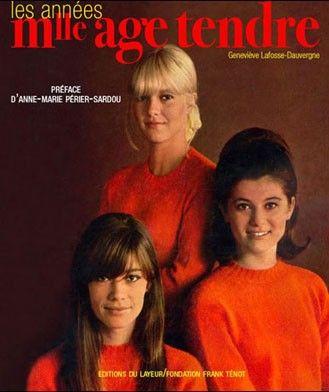 et la revue des filles de l'époque