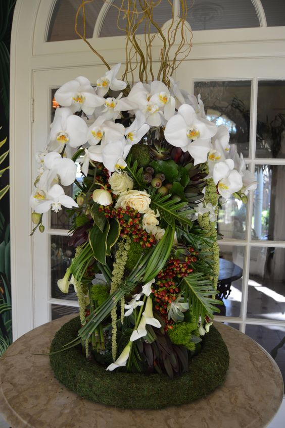 Inventive floral design is our middle name! Love the depth to this piece!