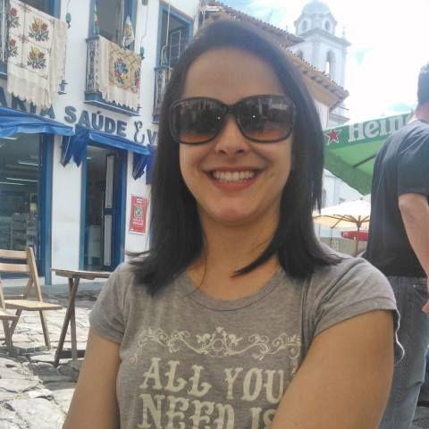 A Priscilla amou a nossa #camiseta ALL YOU NEED disponível em nossa loja: http://bit.ly/tshirtallyouneed