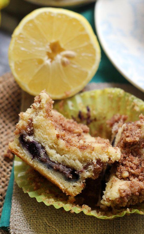 Sour cream coffee cake, Coffee cake muffins and Coffee cake on ...