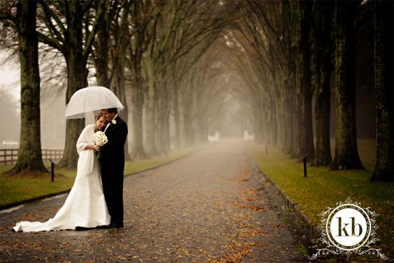 Rainy Wedding Days! // The Pink Bride Blog // Photo courtesy of Katherine Birkbeck Photography