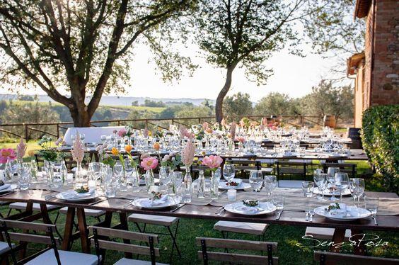 Il Italia il ricevimento di nozze non è mai qualcosa di scontato. Avete mai pensato di organizzarlo in campagna?