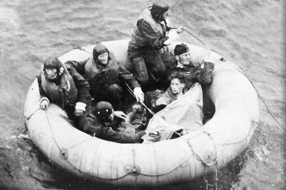 The WW2 RAF Crew Who Survived 11 Days On Atlantic Ocean In a Tiny Dinghy