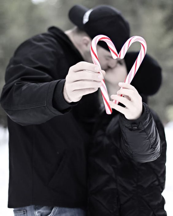 Great idea for a Christmas card - super cute! Could be cute with kids holding to make heart.