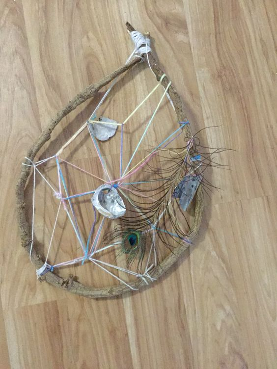 We made this beautiful dream catcher.