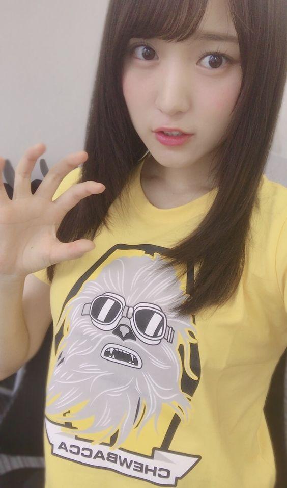 気になるプリントTシャツの菅井友香