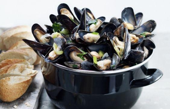 http://www.mosselen.nl/nl/recepten/recept:klassiek-gekookte-mosselen.htm?utm_source=clang