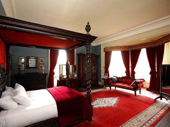 ICYMI: Black Red Bedroom Decor
