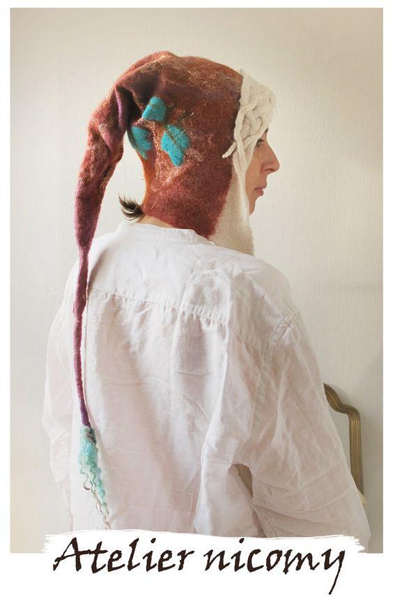 Chapeau capuchon médiéval Femme en laine feutrée par AtelierNicomy
