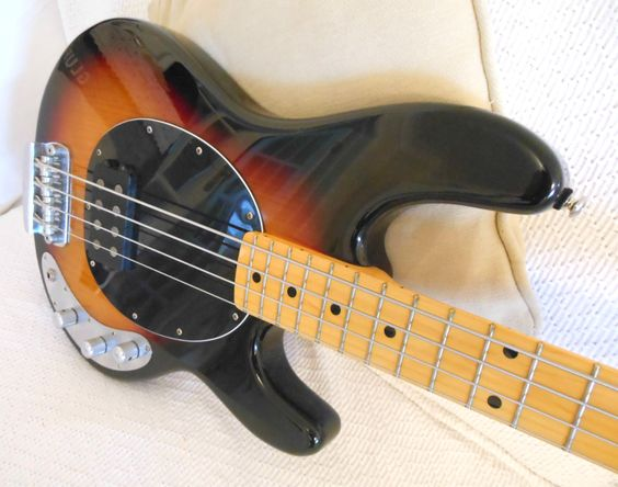 Sterling | RAY34ca Bass guitar by Musicman | Review