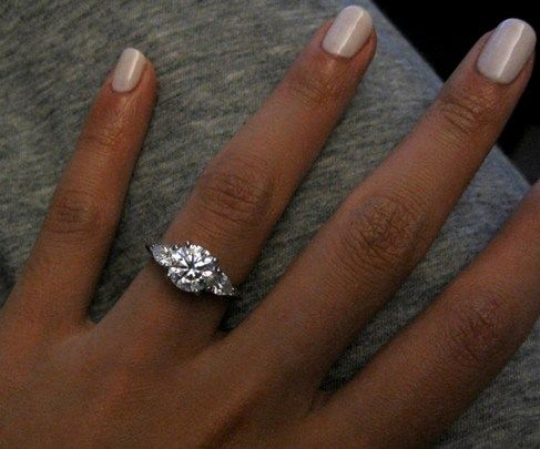 Love This Ring Idea Pear Shaped Side Stones With Round