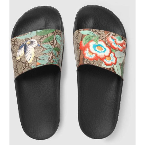 Women'S Gucci Tian Slide Sandal ($290) ❤ liked on Polyvore featuring shoes, sandals, gucci sandals, floral canvas shoes, floral print sandals, flat sandals and canvas sandals