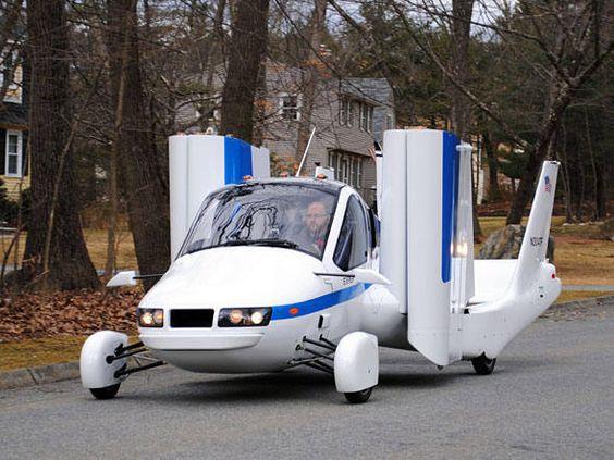 O Transition deverá ser o primeiro carro voador disponível comercialmente.