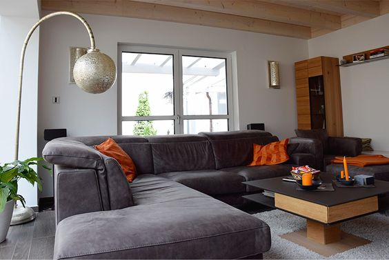 Modernes Wohnzimmer mit italienischer Ledercouch und - joop teppich wohnzimmer