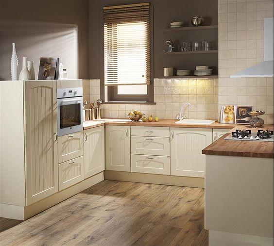 Une cuisine blanche pour faire ressortir toutes les for Toutes les cuisines equipees