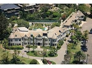 Pyne Castle, originally known as Broadview Villa, Laguna Beach, California, 62-room Châteauesque mansion built from 1927 to 1935 for E. Walter Pyne. The approximately 15,000-square-foot (1,400 m2) masonry structure was converted into apartments during the early 1960s.