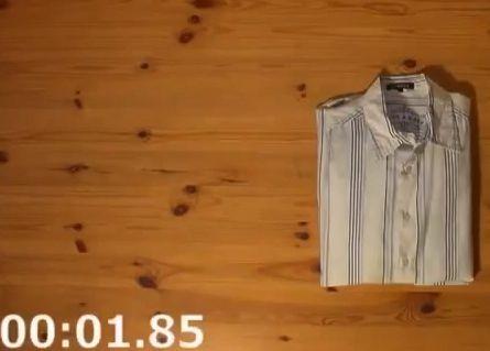 Video Incredibili Facebook: Piegare magliette e camicie in 2 secondi