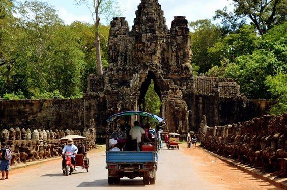 Một lỗi vào của quần thể Angkor Thom