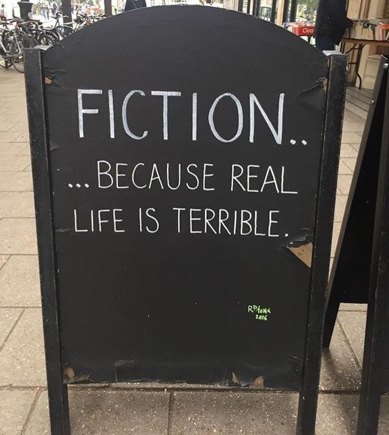25 hilarious images from bookstore signs.