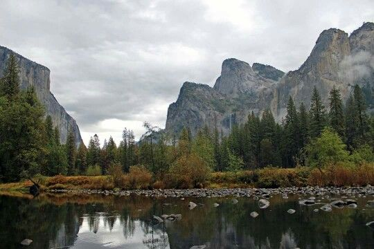 Yosemite a valley view