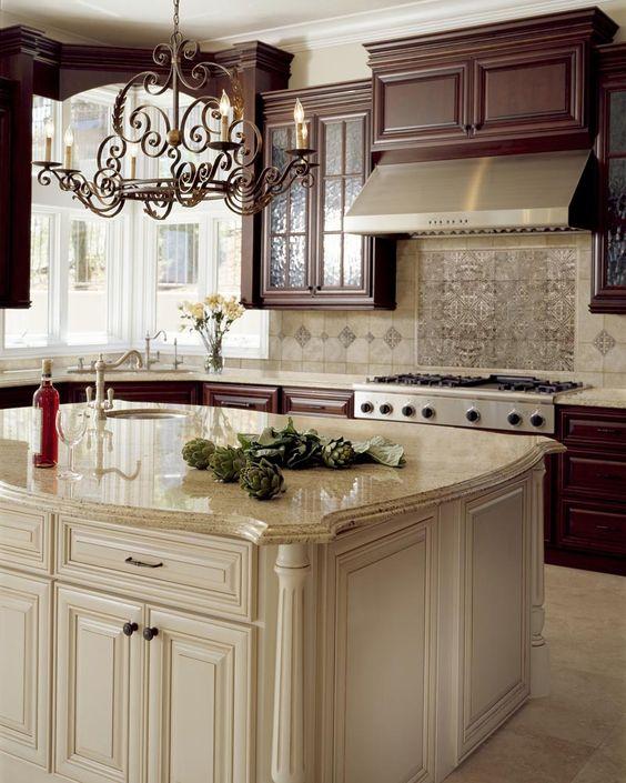 Kitchen Backsplash Off White Cabinets: Kitchen Backsplash Design