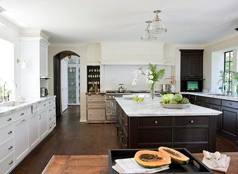 Mick de Giulio ~Lovely kitchen design with white kitchen cabinets ...