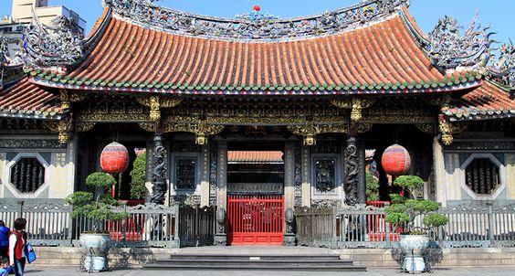 Vẻ đẹp cổ kính của Đền Longshan