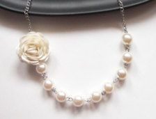 Pearl and rose necklace
