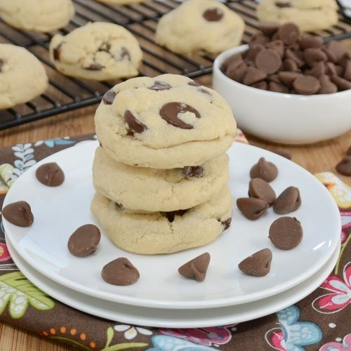 Cornstarch Chocolate Chip Cookies - the cornstarch keeps them very soft and chewy (they taste like keebler soft batch cookies)