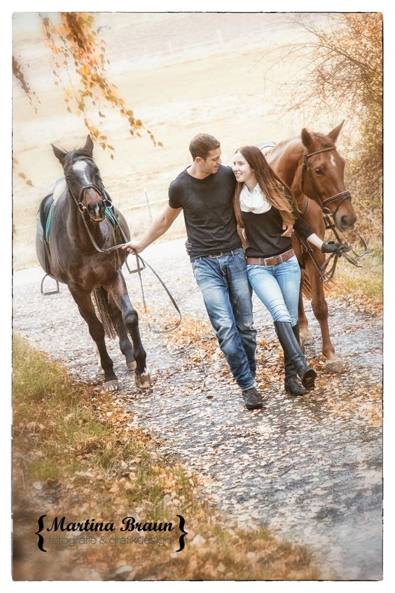 love, horses and a cute couple | outddor shoot | engegament