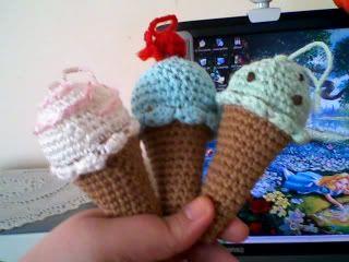 Ice cream cones - Free Crochet Pattern