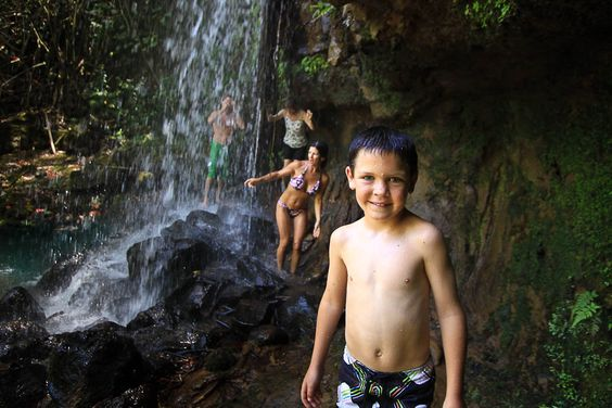 Kalihiwai Falls Hike is an unforgettable tour to the secret sites of Kauai. A great activity for families with kids.