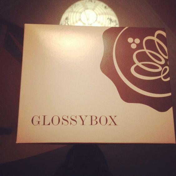 www.glossybox.com.br amei mais que tudo minha caixa Glossy box