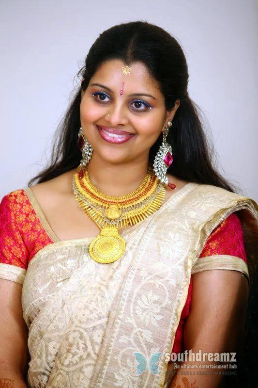 South indian aunties hot photos