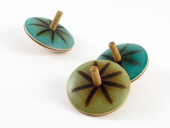 Wooden Spinning Tops > pucciManuli