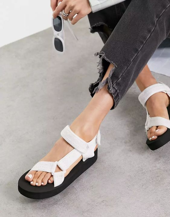 ASOS DESIGN Fix Up sporty sandals in white