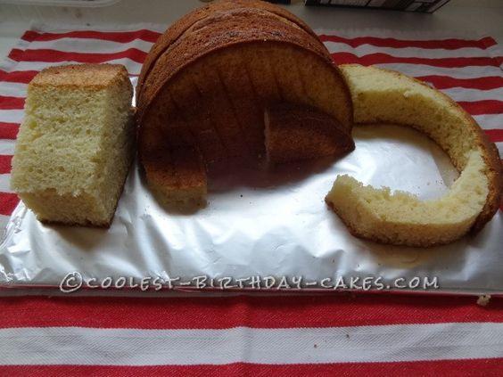 Edoardosaurus-Rex Dinosaur Cake! ... This website is the Pinterest of birthday cakes