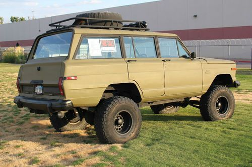 1984 Jeep Grand Wagoneer 4x4 Custom Lift And Paint Image 15