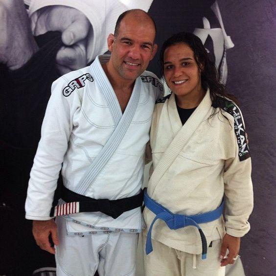 .@gessicaventura | Semana top em SP, treinando na academia do @FABIO GURGEL. Hoje com meu @Van Mendoza... | Webstagram