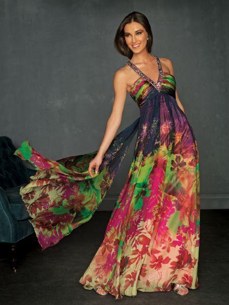 Foto 44 de 119 Vestido de fiesta estampado con escote en V.   HISPABODAS