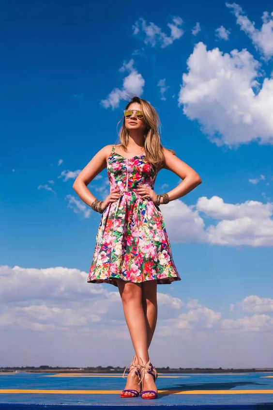 Floral dress. Thassia Naves.