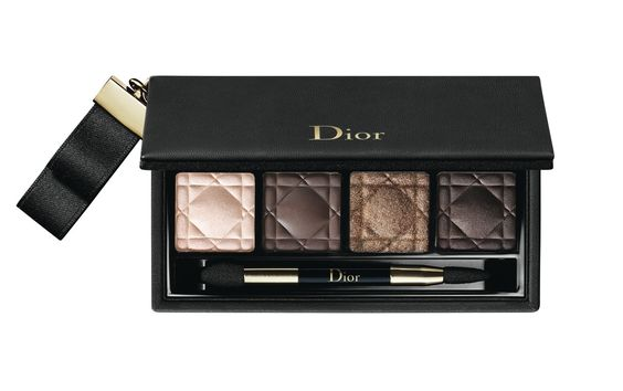 Dior Golden Shock Collection for Holiday 2014 Dior Couture Smokey Eye Palette ($55.00): Features 4 shades of complementary shadows, including a shimmering pink, matte warm brown, iridescent nude and deep chocolate.  #beautynews #beauty2014 #beautyproduct  #cosmetic2014 #cosmeticnews #makeup2014 #makeup   #beautyfall #fall2014 #Maquillage2014
