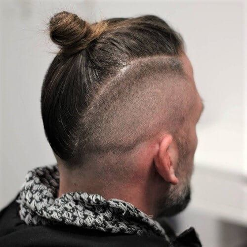 30 Top Knot Styles For Men Top Knot V Man Bun Men Hairstyles World Man Bun Hairstyles Man Bun Haircut Long Hair Mohawk