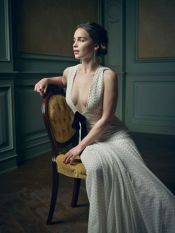 Emilia Clarke – 2016 Vanity Fair Oscar Party Portrait