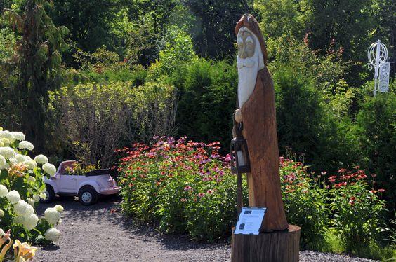 Sculpture en bois appelée 'Sagesse' de l'artiste Michel Desmeules