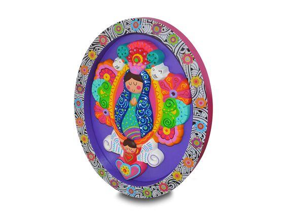 Marco Oval Virgen para decorar tu hogar. Producto de Distroller.