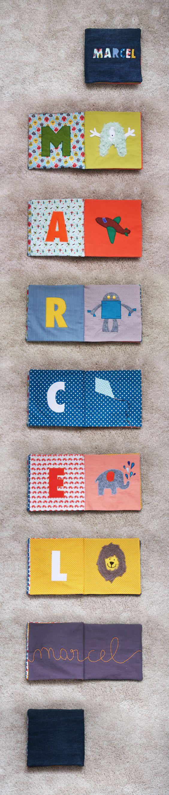 Petit Pois le blog - Un livre en tissu (quiet book) pour apprendre à écrire son prénom et apprendre les lettres de l'alphabet !
