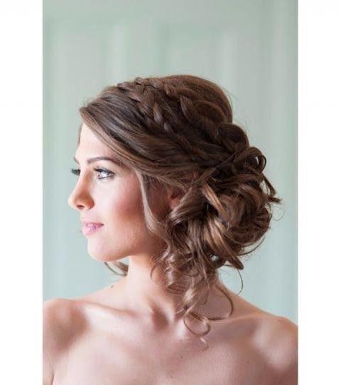 Pin Von Celine Linget Auf Idees Coiffures Hochzeitsfrisuren Brautjungfern Frisuren Frisur Hochgesteckt
